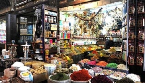 حملة لإزالة بسطات المواد الغذائية في أسواق دمشق