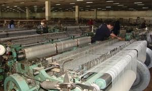 غرفة صناعة دمشق: 30% من المعامل عادت إلى الإنتاج..والمشكلة الأكبر تقلب سعر الصرف