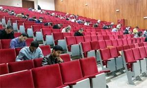 650 طالبا وخريجا يتقدمون لامتحاني طب الأسنان والصيدلة الموحد