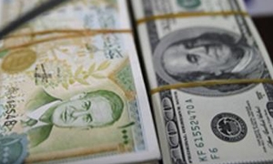 مصرف سورية المركزي: الدولار يرتفع أمام الليرة 21 قرشا واليورو 70 قرشا الأسبوع الماضي