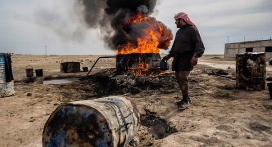 مصدر: سرقة أكثر من 70 ألف برميل من حقول النفط في سورية يومياً