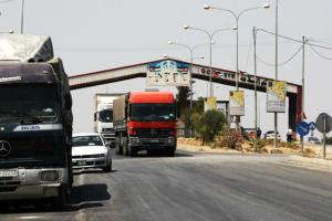 صحيفة أردنية: 1350 شاحنة سورية عبرت معبر نصيب إلى الأردن خلال رمضان