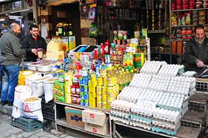إقبال السوريون على شراء المواد الغذائية يرتفع 30 بالمئة..  والسبب كورونا