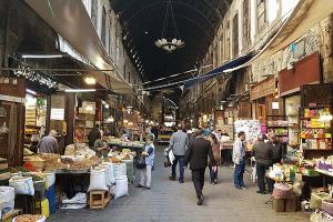بعد أن تخلوا عن كل ما له علاقة بالرفاهية ....هل يختصر السوريين وجباتهم الأساسية؟!