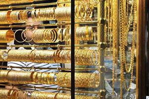 أسعار الذهب في سورية تهبط لليوم الثاني.. الغرام يتراجع 200 ليرة و دولار الذهب ينزل إلى 430 ليرة