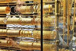 أسعار الذهب في سورية تواصل إنخفاضها الحاد بدعم من تحسن سعر صرف الليرة