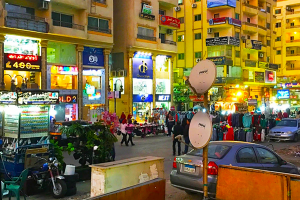 مصر تصدر قرار بإيقاف منح تراخيص المحال التجارية لسوريون دون موافقة أمنية