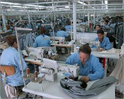 القطاع العام الصناعي في سورية يفقد أكثر من  30 ألف عامل بنسبة تراجع 18%