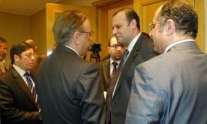 سوريين يطلبون من مصر توفير أراضي  لإقامة 38 مصنعاً وإحداث مكتب لخدمة الاستثمارات السورية