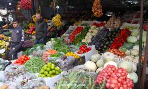 في دمشق: أسعار الخضار تضاهي الفواكه والإرتفاع يسيطر على الأسواق.. كيلو الليمون يصل لـ4500 ل.ٍ