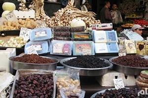 بعد أن ارتفع سعره لـ1200 ليرة.. غرفة تجارة دمشق:ارتفاع أسعار التمر الهندي سببه انخفاض حجم إستيراده