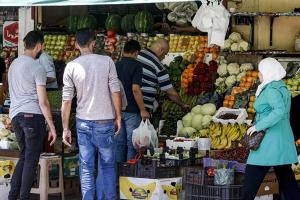 سوريا.. الدولار يمسك الأسعار ويمنعها من النزول والإنخفاض!