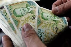 خبير اقتصادي: الأسرة السورية أصبحت تحت خط الفقر العالمي بـ 119 ألف ليرة شهرياً