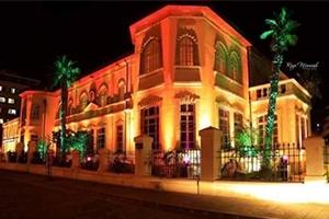 وزير السياحة يصدر تعميماً لتفعيل الحجز الالكتروني في الفنادق السورية