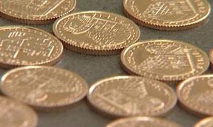 الليرة الذهبية السورية تلامس الـ100 ألف ليرة..والأونصة تقفز إلى 436 الف ليرة