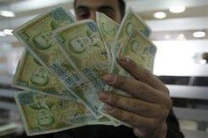 خبير اقتصادي منتقداً التأخير في زيادة الرواتب: يا عمي ها لوزراء شو عم يحكو!!