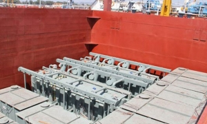 وصول 30 محوّلة كهرباء من إيران إلى ميناء طرطوس