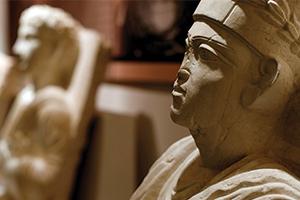 سورية تستعيد مئات القطع الأثرية المسروقة.. و تمثال ( يلحي بن يلحبودا)  التدمري يظهر في دمشق