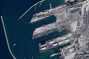 سفينة محملة بالنفط ترسو في ميناء طرطوس!