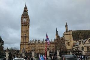 بريطانيا تدعو شركاتها للخروج من الاتحاد الأوروبي دون اتفاق