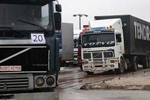 نحو 70 بالمئة خسائر الأسطول النقل البري في سورية.. وبوليصة الشحن متوقفة!!