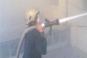 فوج الإطفاء يخمد حريقاً في مستودع أدوية بمنطقة الحريقة بدمشق