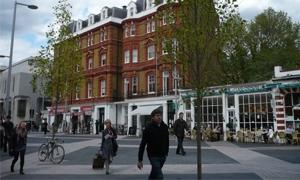 ثروات خمس عائلات في بريطانيا تفوق أموال 12.6 مليون من سكانها