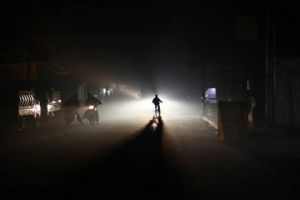 زيادة ساعات التقنين الكهربائي.. وزارة النفط تقدّم 27 بالمئة من حاجة الكهرباء فقط!