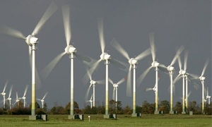 بطاقة إجمالية 355 ميغاواط..وزارة الكهرباء تبدأ بتنفيذ مشاريع الطاقة المتجددة