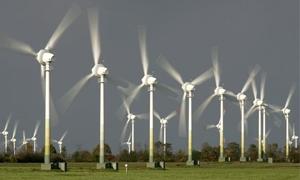 الكهرباء تدرس إنتاج 7 مليارات كيلو واط ساعي بحلول عام 2030.. وتدعو المستثمرين لتنفيذ مزراع ريحية