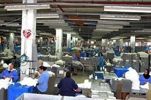 عمال القطاع الخاص بدمشق يطالبون بتسجيل أجورهم الحقيقية لدى التأمينات!