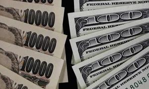 الدولار واليورو يرتفعان لأعلى مستوى في 5-6 سنوات امام الين