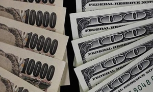صعود الين أمام الدولار واليورو مع تراجع الأسهم